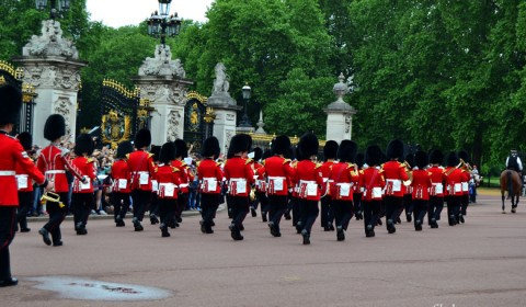 Buckingham-Palace-Guard-Change