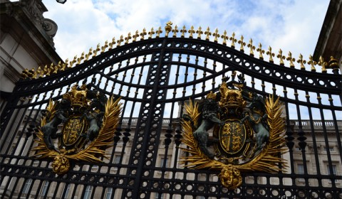 Buckingham-Palace-main-gate