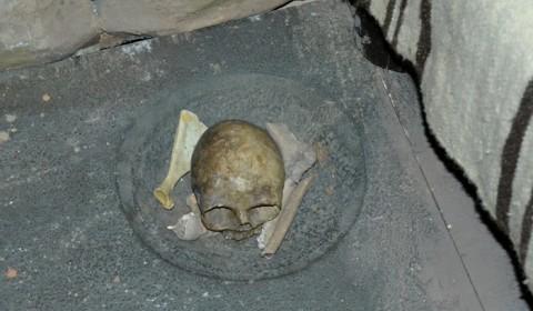 Craniu iberic lângă pat