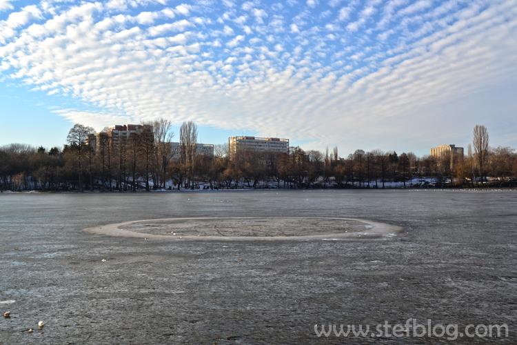 Lacu-inghetat-din-Parcul-IOR-Bucuresti