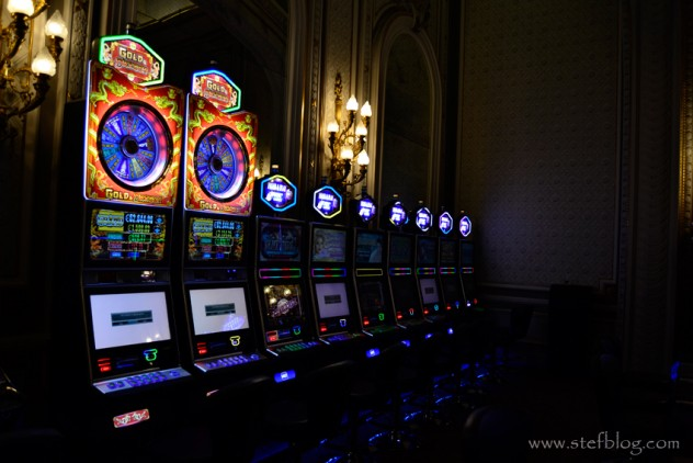 Monte-Carlo-Casino-masa-jocuri-noroc