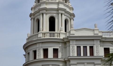 Priveliște din Zaragoza - o clădire frumoasă