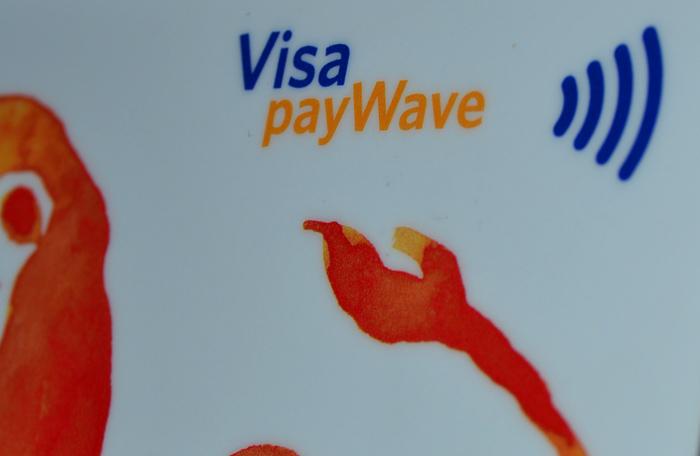 Utilitatea cardurilor contactless în Romania