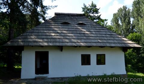 casa-muzeul-satului-bucovinean