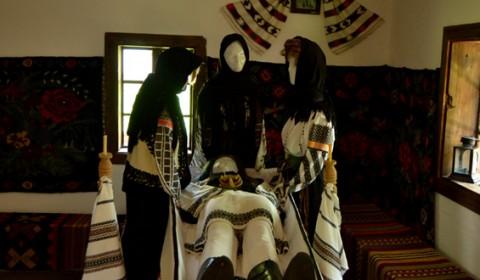 mormantare-traditionala-bucovina