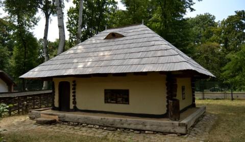 Muzeul Satului din București - Casă tradițională din România